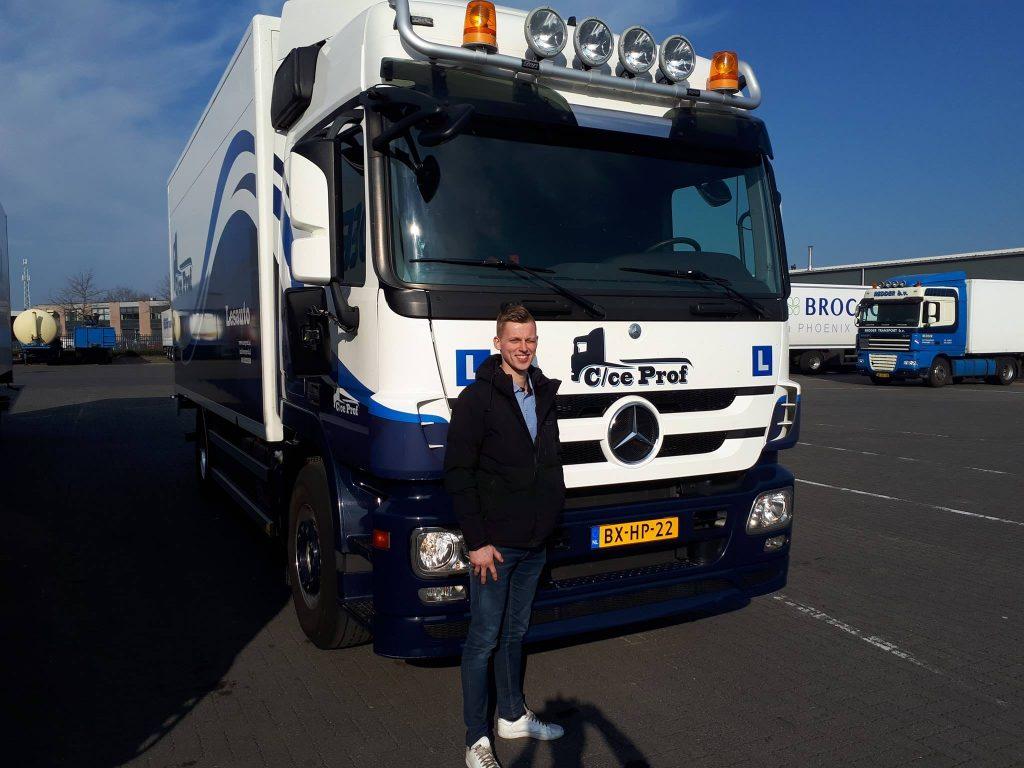 Door met CE rijbewijs na behalen vrachtwagen rijbewijs C voor Henk-Jan Visscher