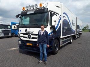 vrachtwagen-rijbewijs-C-CE-rijles-vrachtauto-stap