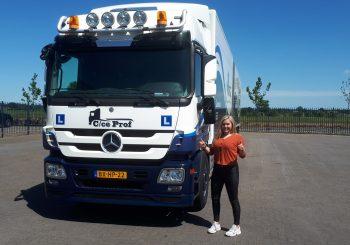 Astrid Timmerman geslaagd voor CE rijbewijs
